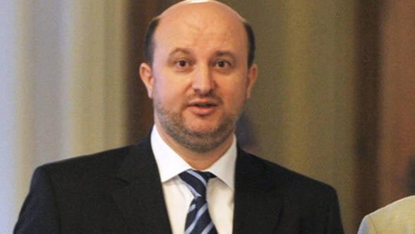 Chitoiu: Romania va trebui sa transpuna pachetul de reforma a legislatiei pentru achizitii publice