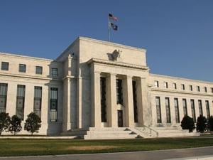 Cinci mari banci vor oferi lichiditati in valuta companiilor financiare americane