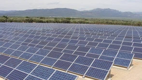 Cinci noi parcuri fotovoltaice si o microhidrocentrala au primit autorizatie