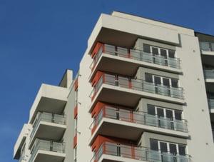 Cine va castiga lupta pe preturile apartamentelor care blocheaza piata de aproape doi ani