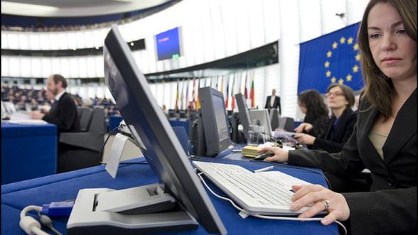 Cipru vrea sa micsoreze salariile bancherilor