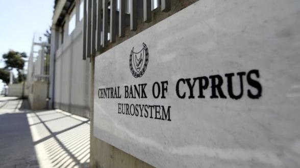 Ciprul ar fi trebuit sa ceara ajutor mai devreme, sustine guvernatorul Bancii Centrale