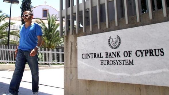 Ciprul trebuie sa grabeasca negocierea planului de salvare