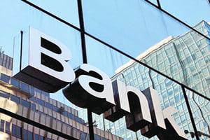 Clientii platesc greselile de raportare ale bancilor la Biroul de Credit