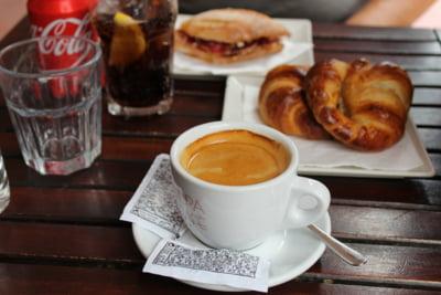 Coca-Cola va prelua al doilea cel mai mare lant de cafenele din lume