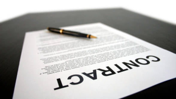 Codul Muncii, modificat: Salariatii pot fi asistati de un avocat in timpul cercetarii disciplinare