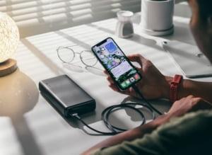 Comisia Europeană vrea ca dispozitivele electronice să aibă încărcător comun. Ar putea reduce cantitatea de deșeuri cu o mie de tone anual