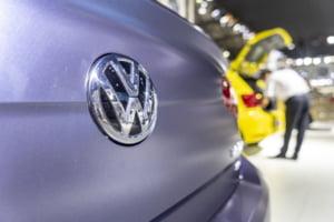 Comisia Europeana amendeaza BMW si Volkswagen cu 875 de milioane de euro. Ce reguli au incalcat grav