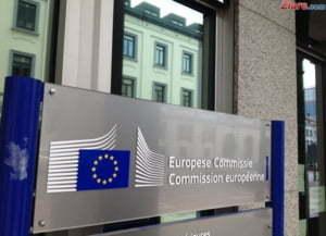 Comisia Europeana avertizeaza: Marea Britanie ar putea intra in recesiune anul viitor