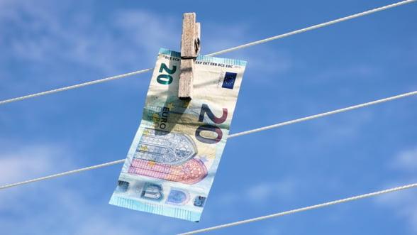 Comisia Europeana cere statelor membre sa transpuna in practica normele privind combaterea spalarii banilor