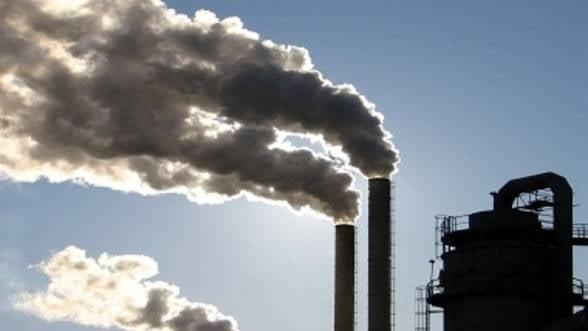 Comisia Europeana propune reducerea emisiilor de gaze cu efect de sera cu 40%