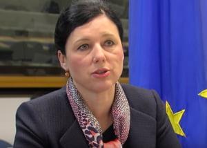 "Comisia Europeana realizeaza ""dependenta morbida"" a UE fata de China si India pentru produse farmaceutice"