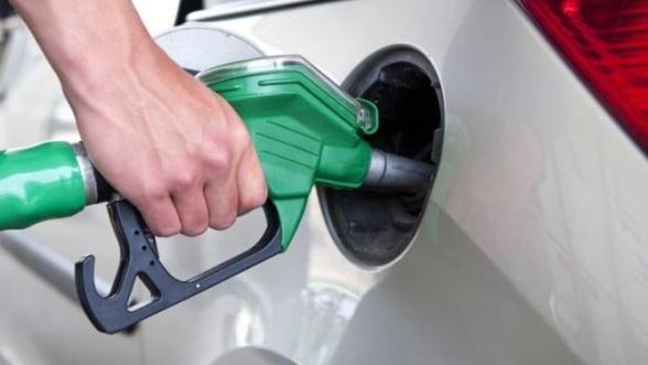 Companiile petroliere au scumpit benzina - afla noile preturi practicate de Petrom, OMV si Lukoil