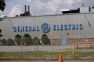 Concedieri masive la General Electric: 12.000 de oameni isi vor pierde locurile de munca
