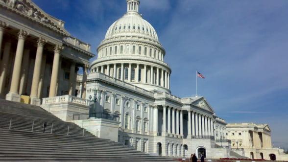 Congresul SUA se apropie de o solutie temporara privind plafonul datoriei de stat
