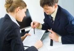 Consilierii bancari, instruiti sa ridice din umeri