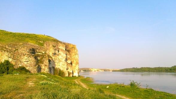 Constanta: Dunarea se revarsa peste terenurile agricole