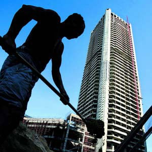 Constructorii romani, dezavantajati in competitia cu companiile straine