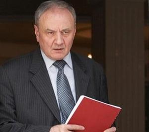 Consultari pentru un nou premier si la Chisinau