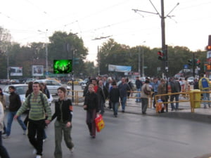 Consumatorii romani, printre cei mai afectati de criza financiara in 2010