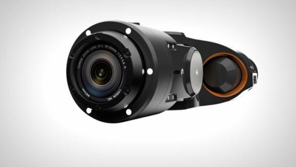 Cousteau ar fi fost gelos. Ia-ti o drona pentru filmari subacvatice!