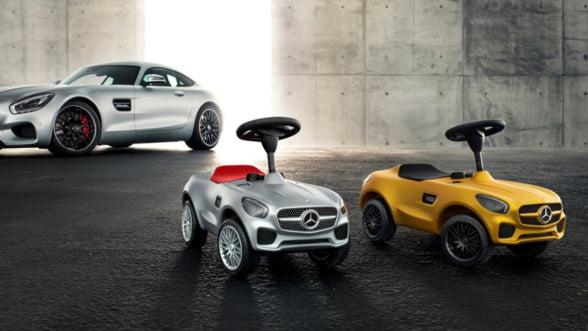 Craciunul bate la usa. Ce-ar fi sa-i iei pustiului tau un Mercedes AMG GT?
