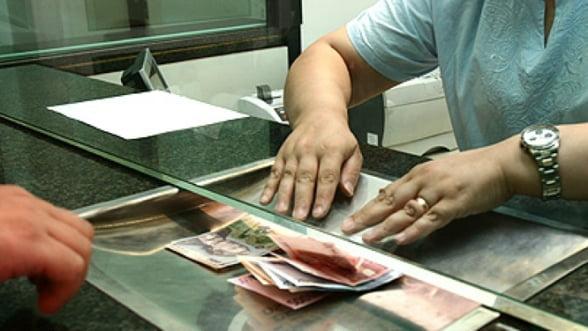Creditele pentru populatie si firme au scazut in iulie