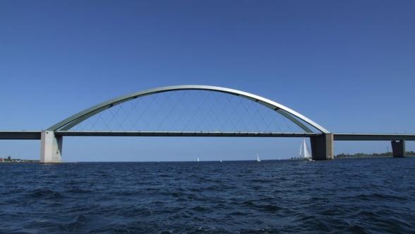 Crimeea, legata de Mama Rusie printr-un pod de 4,5 kilometri. Lucrarile au inceput deja