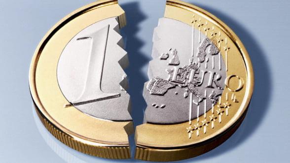 """Criza """"sugruma"""" moneda europeana. Vezi in ce directie o ia cursul euro"""