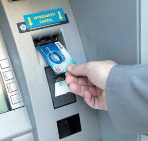 Criza cardurilor de credit bate la usa