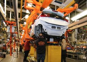Criza cipurilor din industria auto. General Motors se alatura producatorilor care opresc productia din cauza lipsei de semiconductori de pe piata