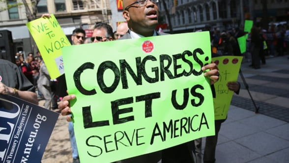 Criza din SUA. Pierderi de peste 300 de milioane de dolari zilnic din cauza opririi partiale a activitatii federale