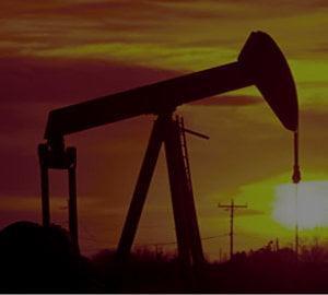 """Criza petrolului """"loveste"""" din nou. Se repeta istoria din anii '70?"""