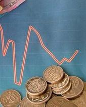 Criza politica a scumpit deja finantarea externa
