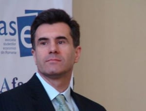 Croitoru, BNR: Ultimul trimestru din 2009 va arata semne de atenuare a scaderii economiei
