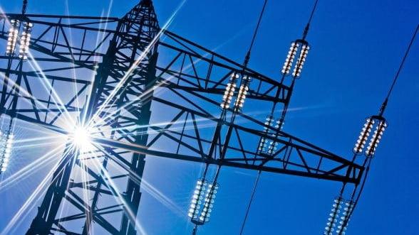 Cu cat au scazut consumul si productia de energie electrica in primele sapte luni ale anului