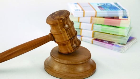 Cu cine se pun, de fapt, clientii care acuza bancile de clauze abuzive?