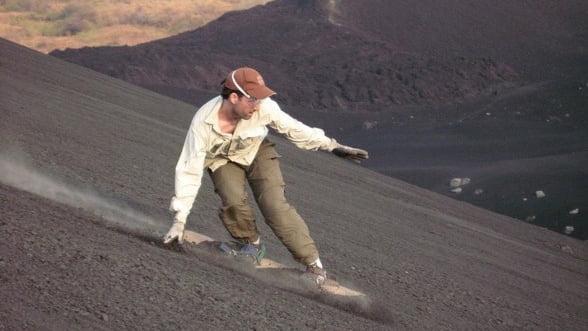 Cu placa pe vulcan sau saritura intr-un lac cu crocodili, sporturile care te pot detensiona rapid