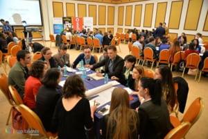 Cu si despre tinerii din Romania