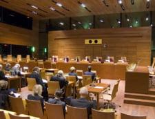 Cum a ajuns Romania sa fie chemata in judecata de Comisia Europeana: Guvernele PSD i-au dus cu vorba pe oficialii UE si infractorii pot profita