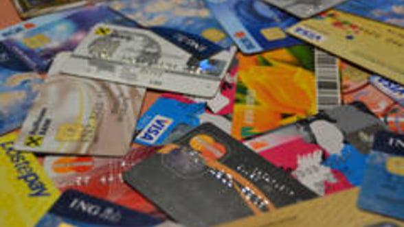 Cum alegi banca pentru cardul de salariu
