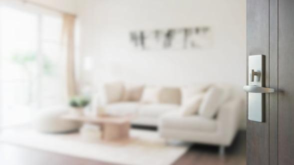 Cum alegi cea mai potrivita usa de interior pentru o locuinta moderna