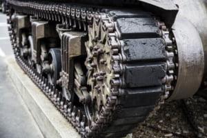 Cum il ajuta drumurile noastre proaste pe Putin. Tancurile NATO, pierdute prin Romania