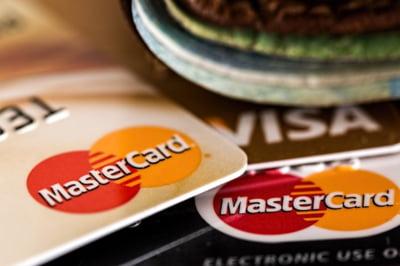 Cum iti imparti pe rate automate toate cheltuielile de pe cardul de credit