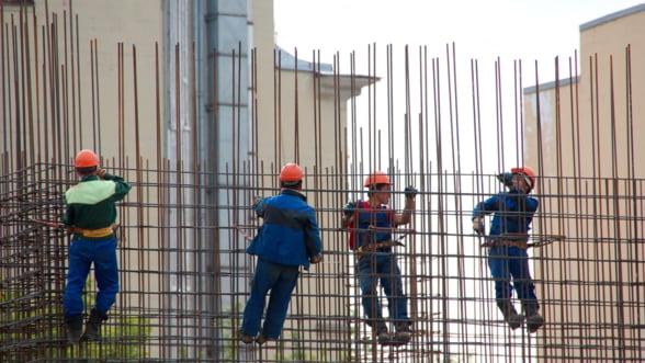 Cum ne salveaza vietnamezii piata muncii: Daca acasa castiga 150 de dolari pe luna, salariile din Romania sunt mai mult decat tentante