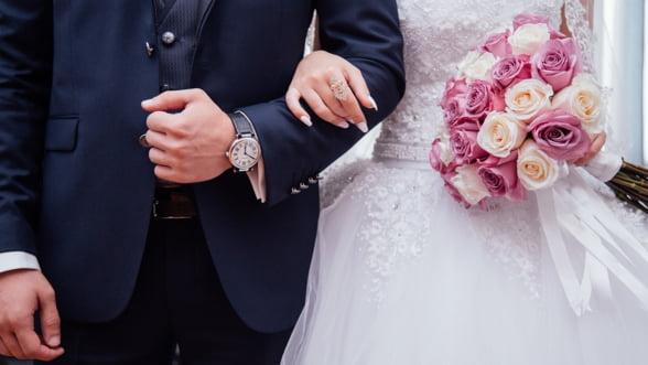 Cum poti plati mai putin daca iti organizezi nunta online