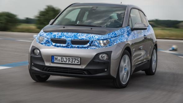 Cum promoveaza BMW modelele electrice. Ofera o masina de rezerva