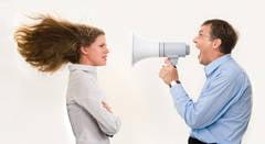 Cum sa accepti constructiv critica la locul de munca