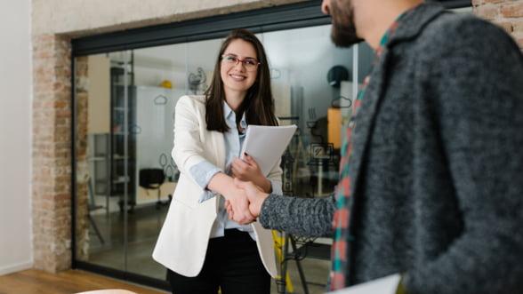 Cum sa scrii anunturi de angajare care atrag candidatii de top