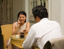 Cum sa-ti pierzi prietenii si sa-ti enervezi colegii cu telefonul mobil